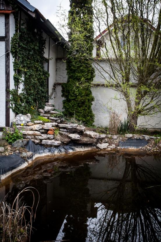 Garden lake corner