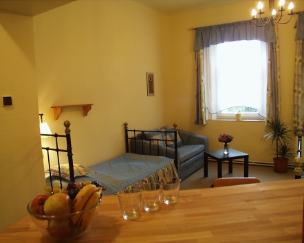 Hotel-room-10