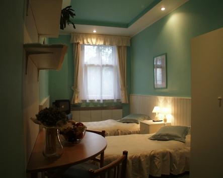 Hotel-room-7